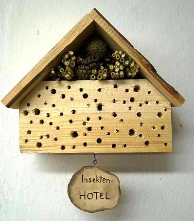 insektenhotel heimat f r tierische n tzlinge baumpflegeportal. Black Bedroom Furniture Sets. Home Design Ideas