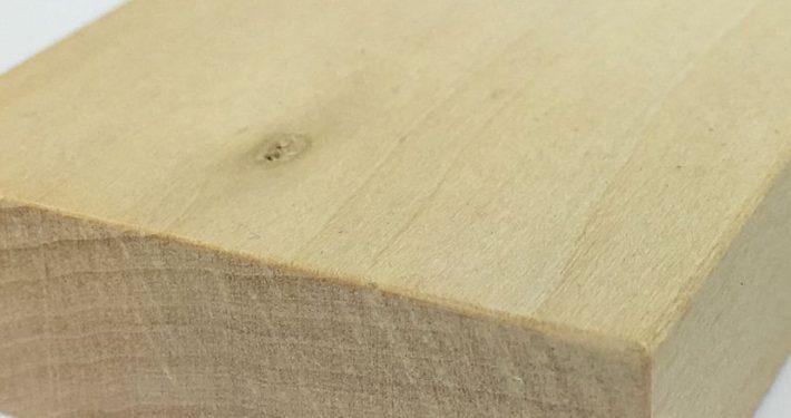 Kastenförmiger Holzblock