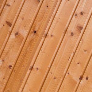 Inaeinander gesteckte Holzpaneele