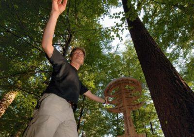 170815_Heimische-Baumrekorde_Waldtraut-vom-Muehlwald_hoechster-Baum-Deutschlands_Hinweisschild-1030x1030